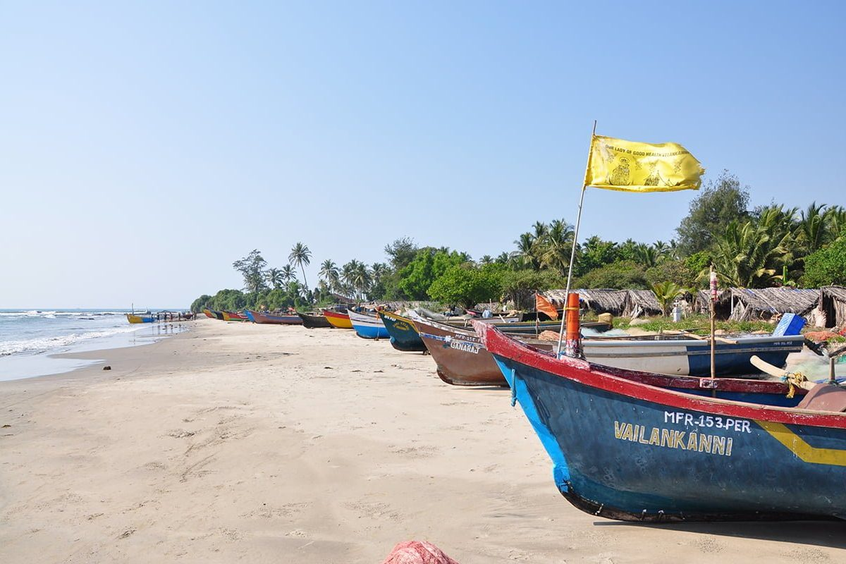 goa-beach boats