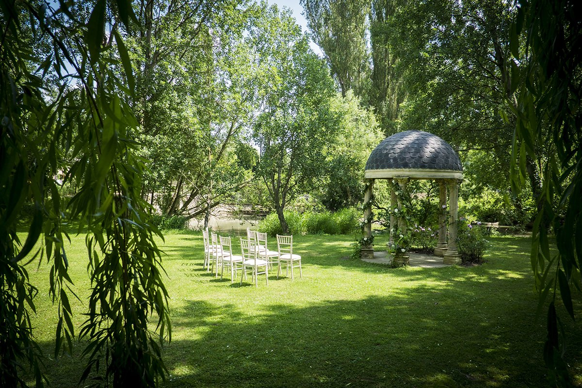 Old Swan & Minster Mill, Oxfordshire - 10 of the Best Waterside Venues