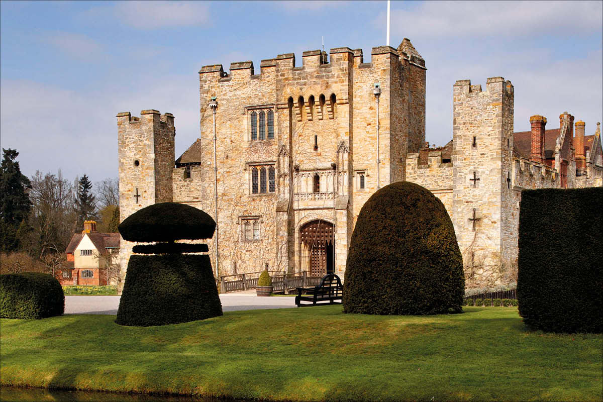 Hever Castle, Kent - Castles in the Sky