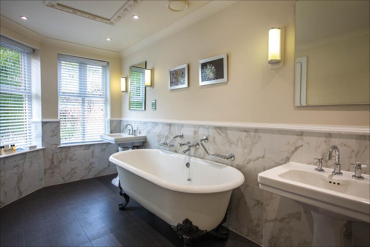 Rookery Hall Hotel bathroom