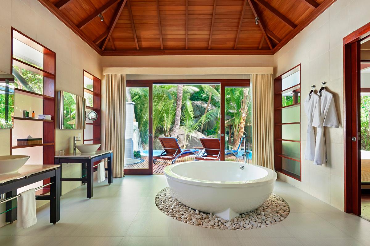 Hilton Seychelles Labriz Sanctuary bathroom