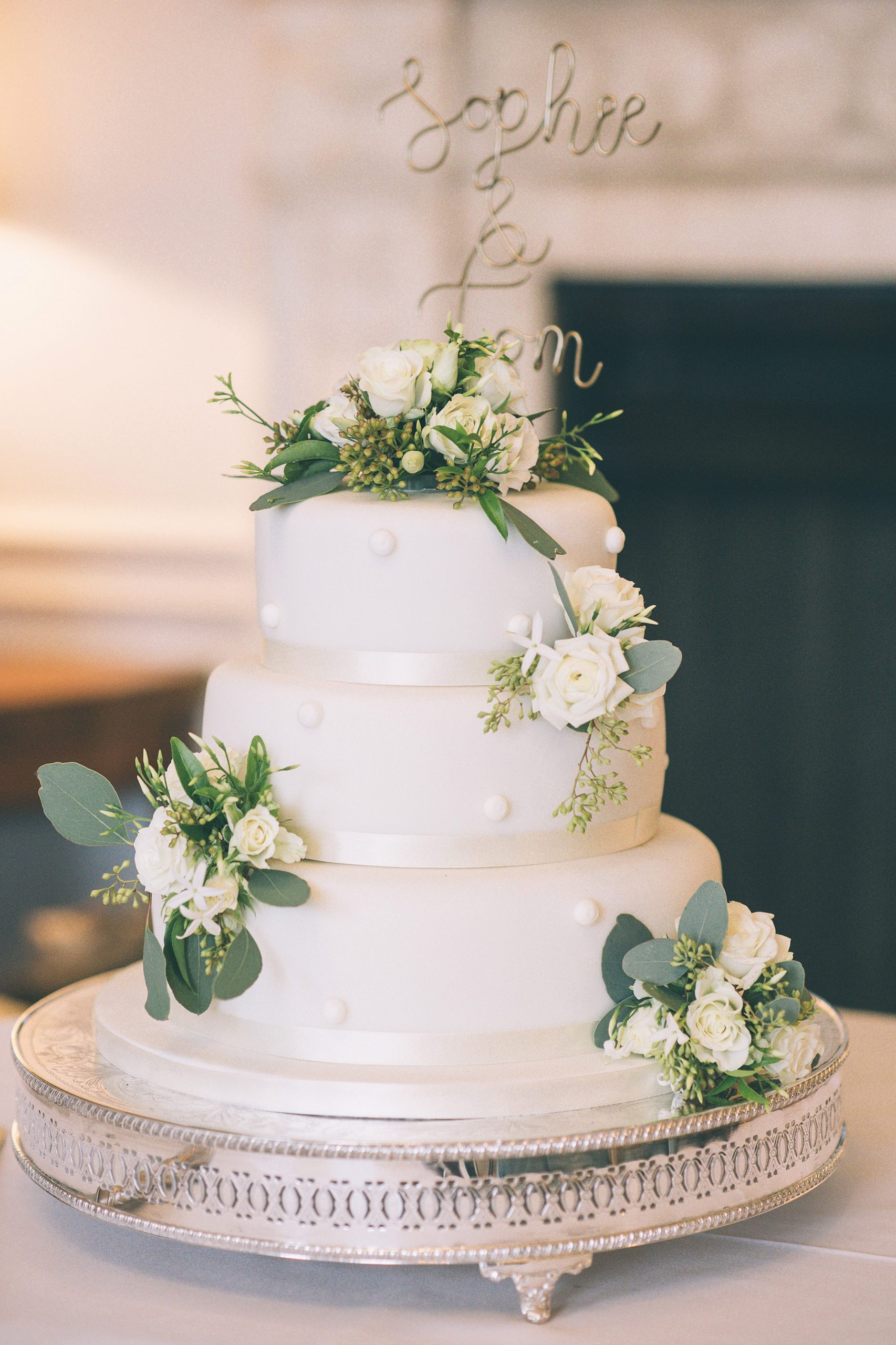 Cowdray House Sophie and Tom wedding cake