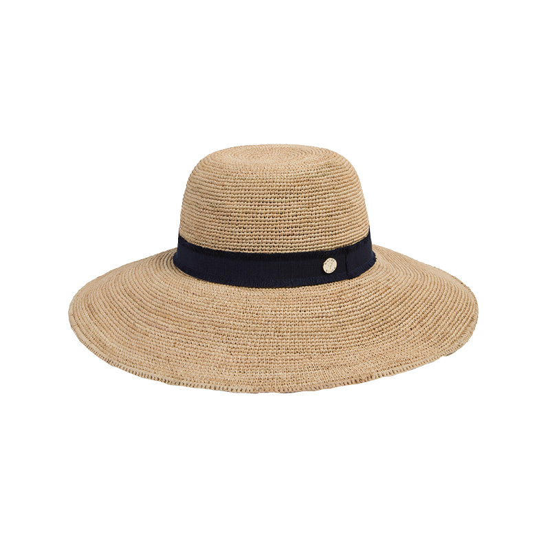 capsule wardrobe Heidi Klein widebrim hat