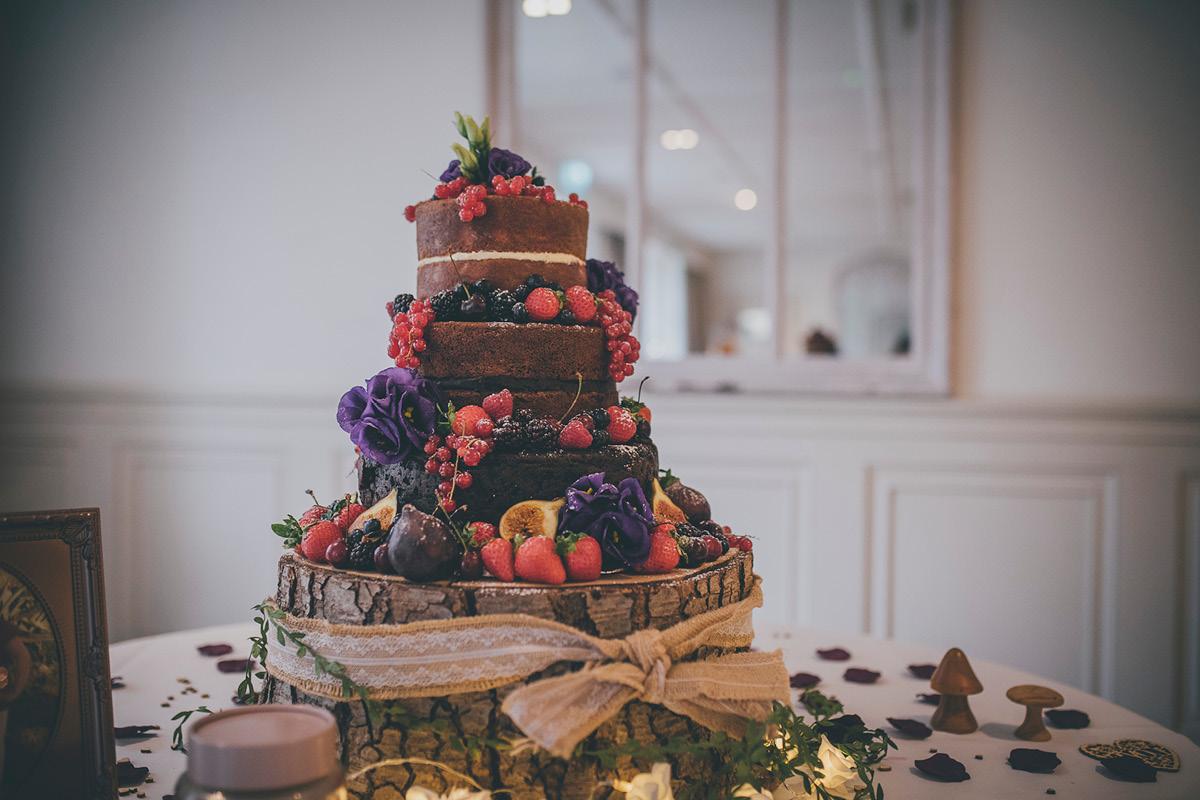 Manor By The Lake wedding cake