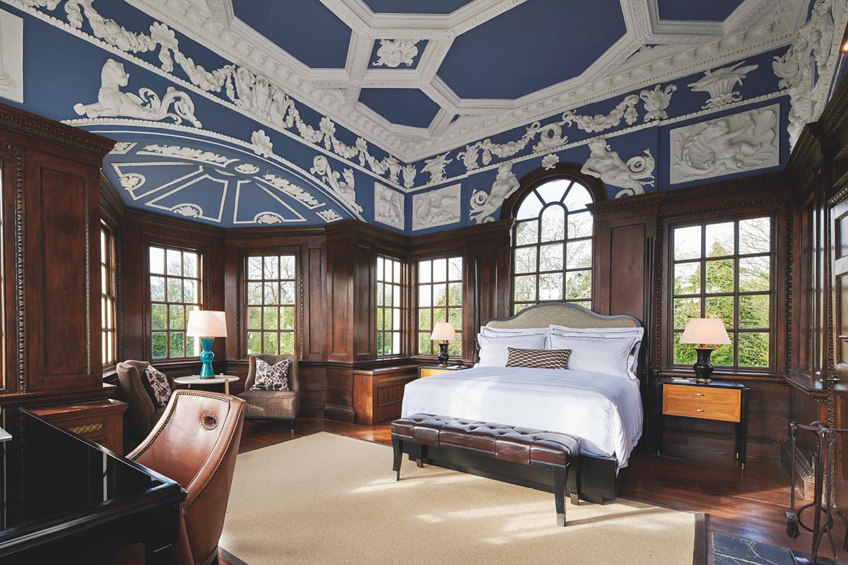 Monkey Island Estate wedgewood suite