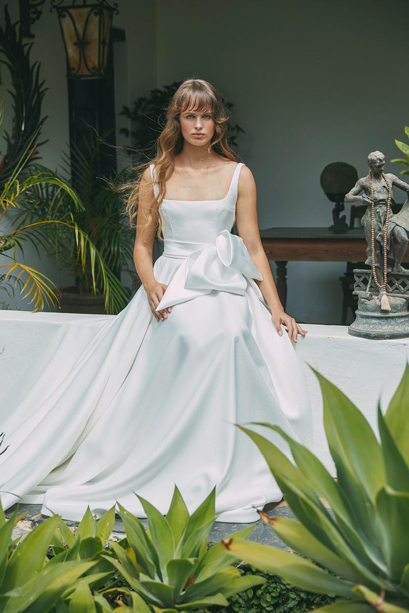Anna Georgina Bellise gown