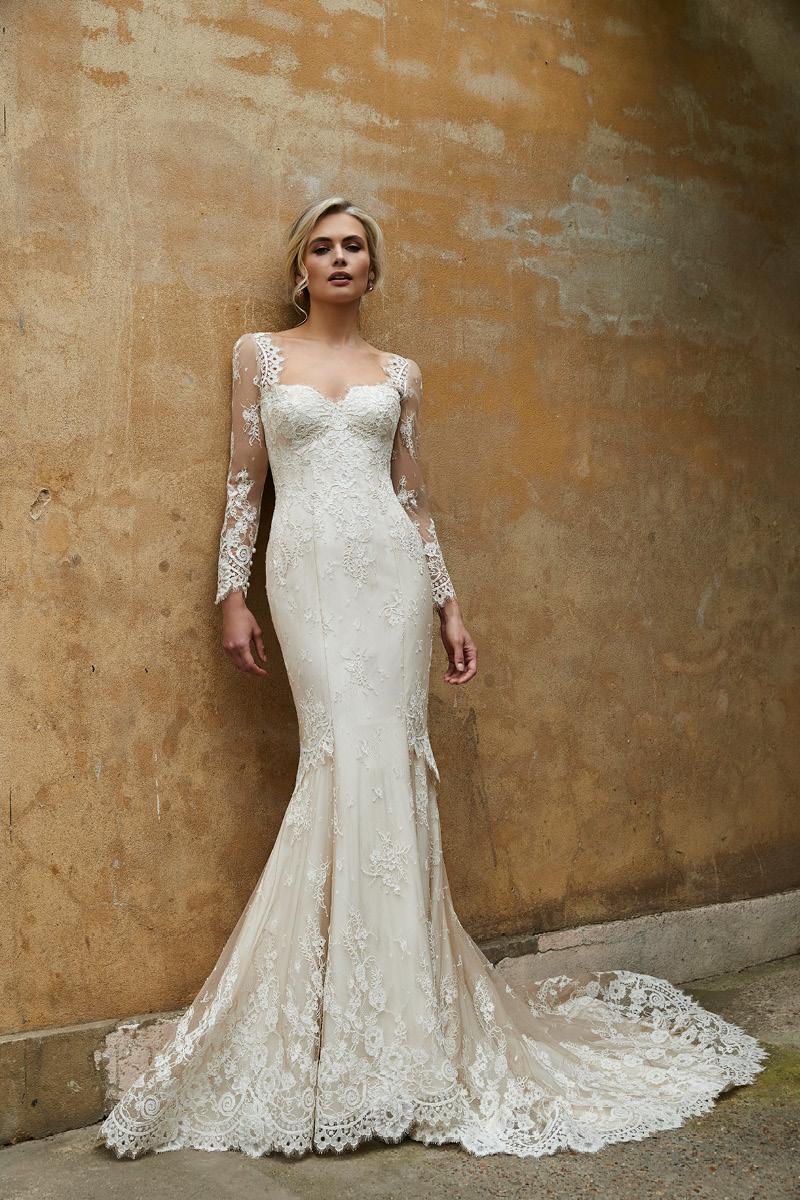 Sassi Holford Astoria 2021 Collection_Sanda and sleeves