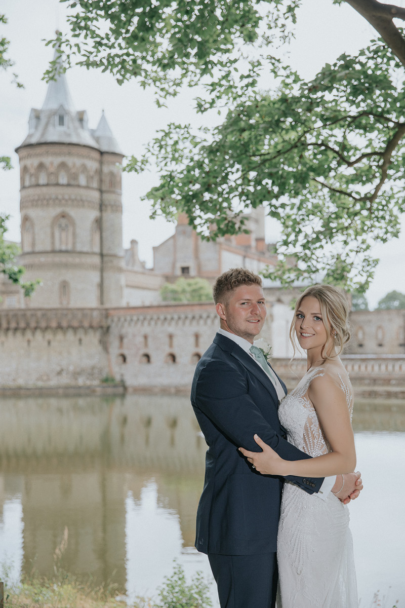 Horsley Towers couple